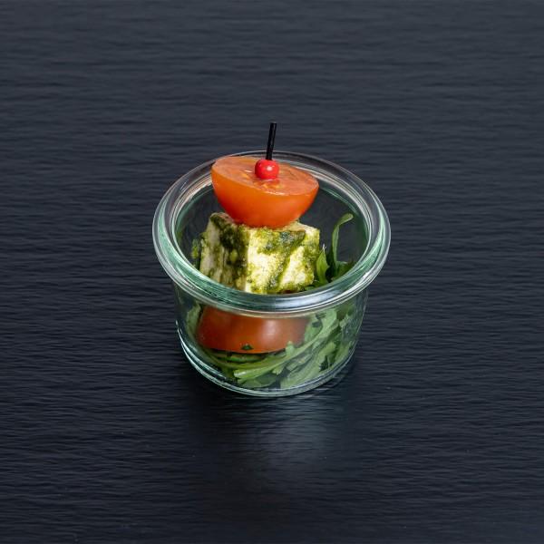 Mini-Tomate-Tofu-Spieß mit Pesto Verde
